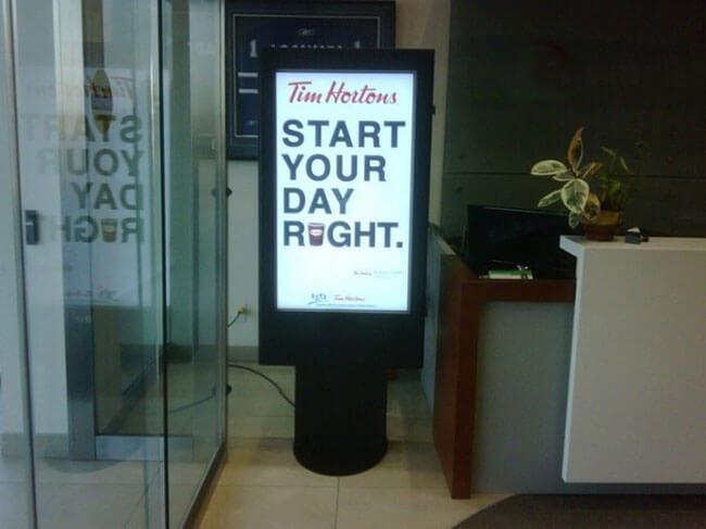affichage numérique foyer de l'hôtel