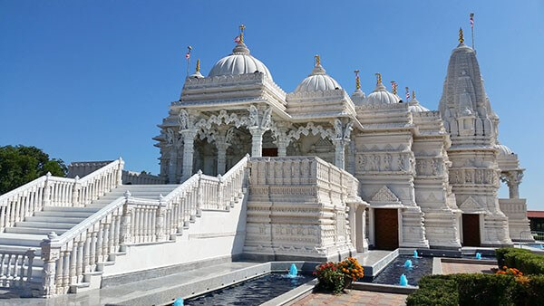 Les temples hindous modernes peuvent utiliser la signalisation numérique