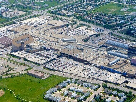 Parking centre commercial de West Edmonton