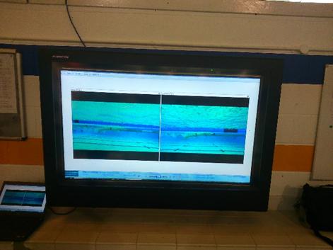 Digital signage au bord de la piscine