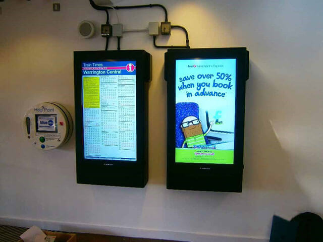 Affichage numérique d'Armagard en action à la gare