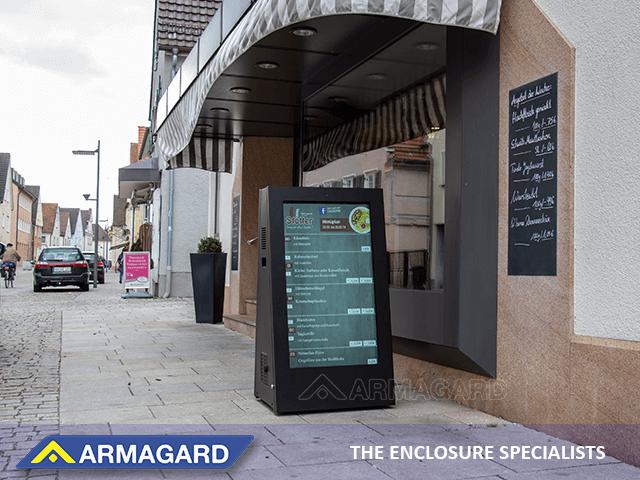 attirer des clients dans votre café-restaurant avec un affichage numérique portable extérieur